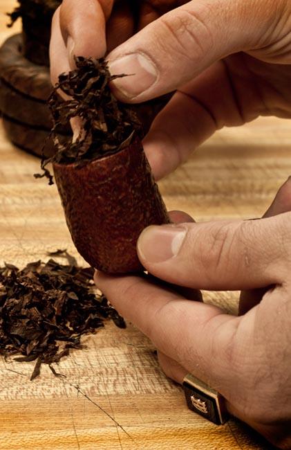 Preparing Rope Tobacco at Smokingpipes.com